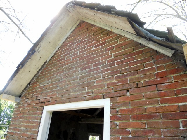 2013 lijkhuisje voor restaratie