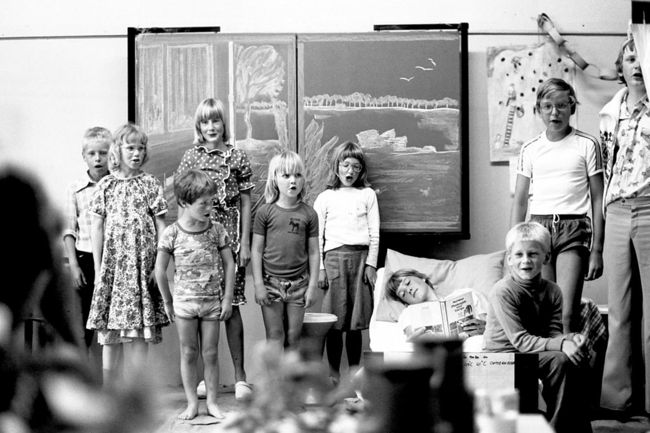 Dikkie, Johanna, Jasper, Nienke, Mischa, Stientje, Freddie, Erik en Henkie (foto 9)