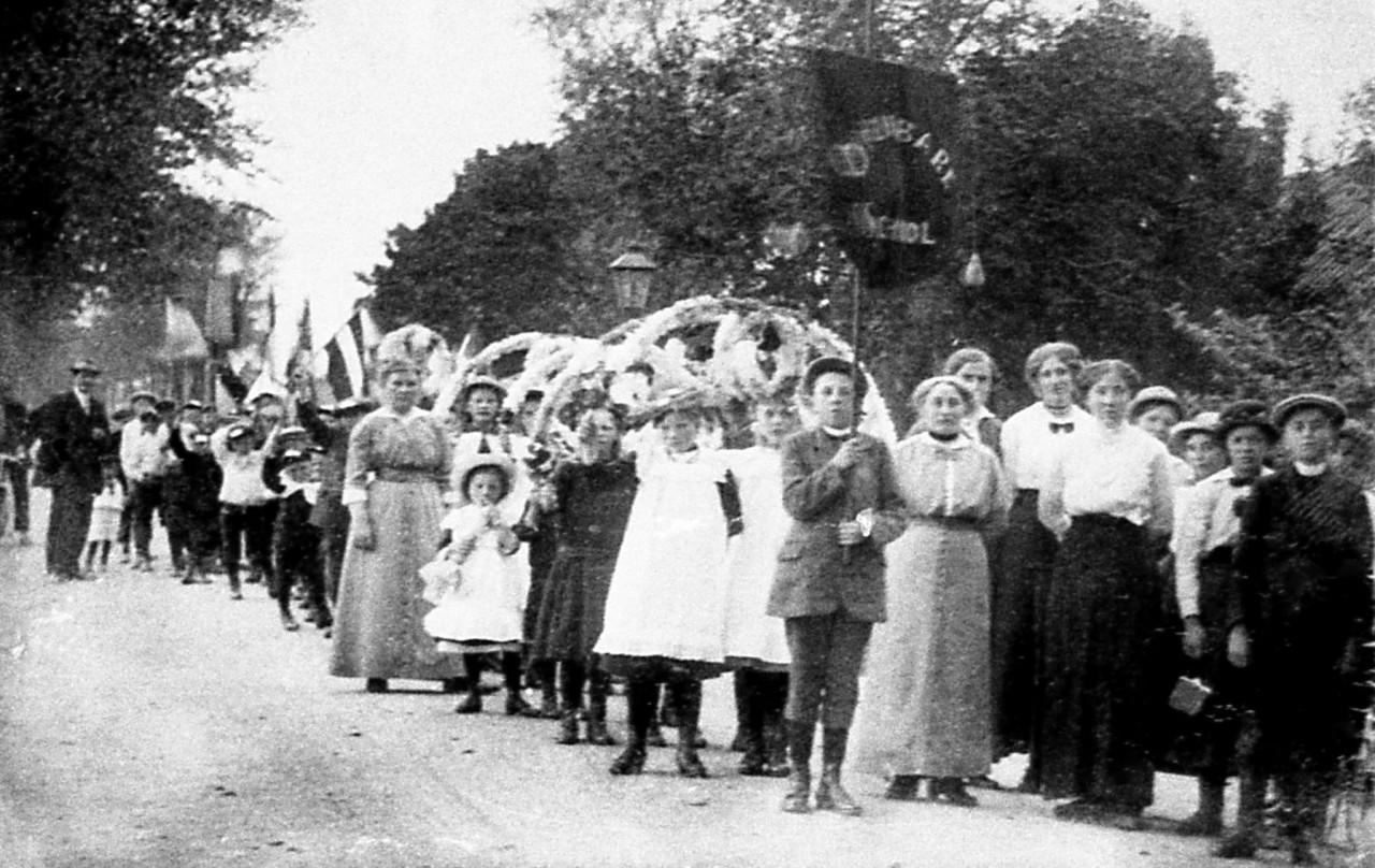Zuurdijkster optocht begin 1900