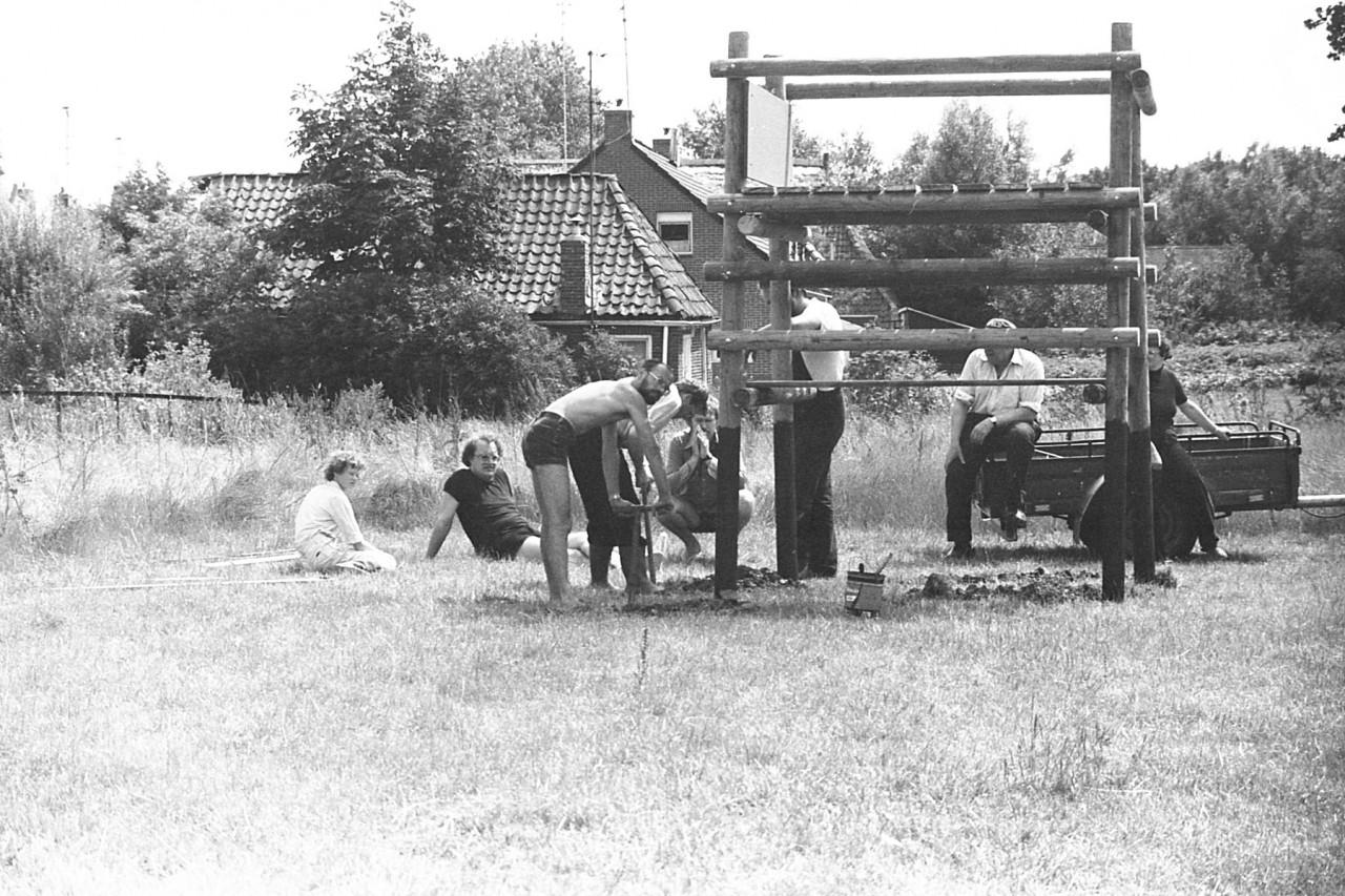 Nog een keer de gravers: Harry,  …….., Johan, ….., Hans, Job en anderen  (foto 10)