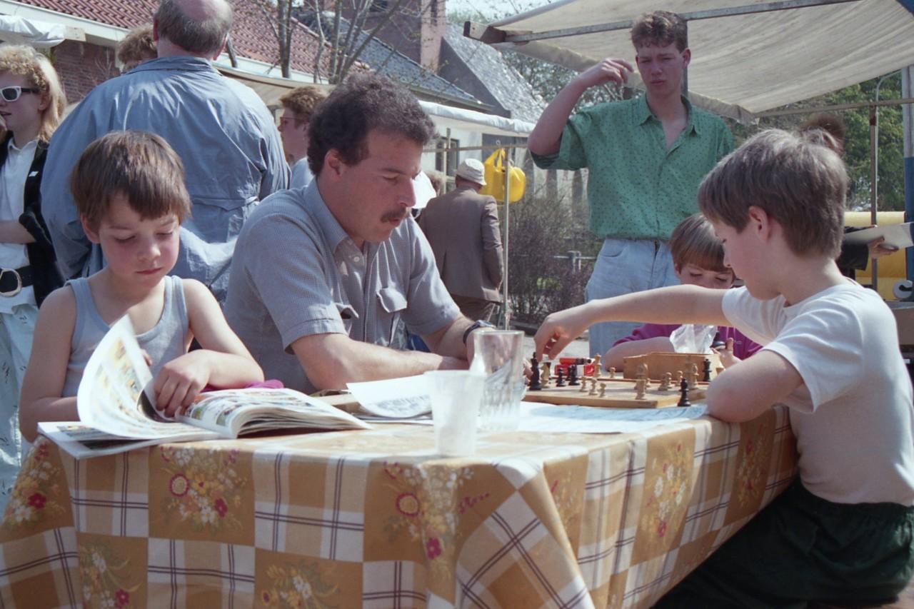 Leo Cukier won als enige van Jasper; naast hem dochter Roos (foto 1)