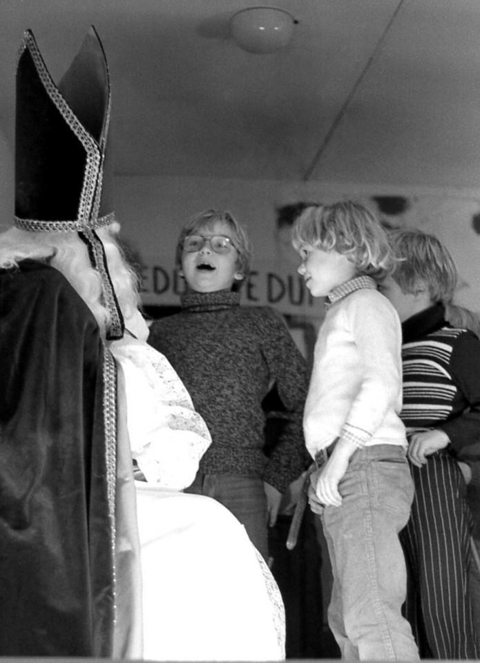 Erik, Johanna en Dikkie voor de Sint